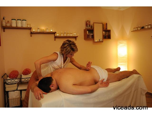 Female to Male Body to Body Massage in Surat 7043385002