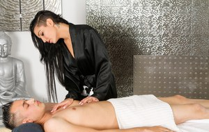 Body to Body Massage in Vashi With Extra  Services 7387873098