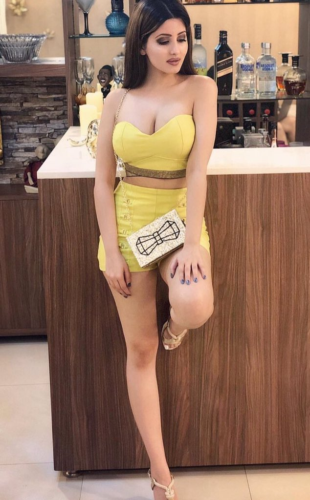   09999618952   Noida/Gurgaon Male Escort Service For Female At Your Home Services