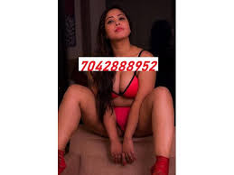 Call Girls In Gomti Nagar 7042888952 Vip Escort Service Lucknow