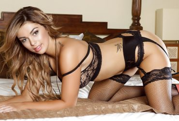 Mumbai  Escorts  who is blessed with eye-catching assets
