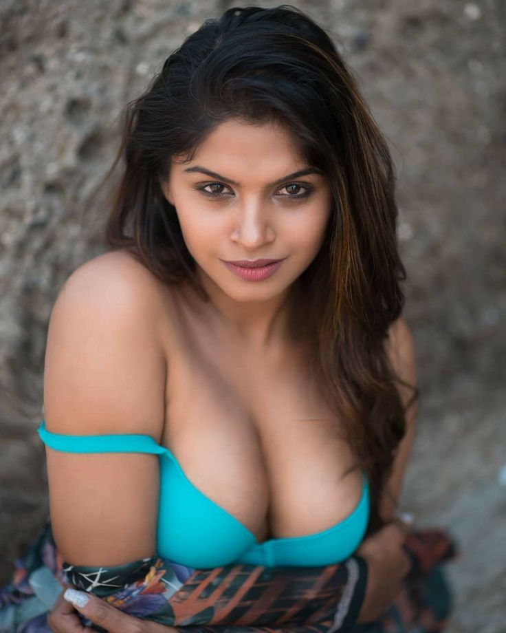 A fantastic Hyderabad call girl, who gives awesome services