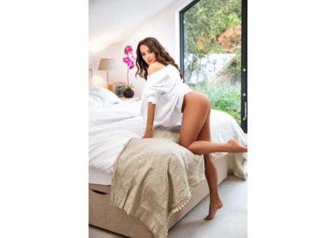 SHOT 1500 NIGHT 5000 Call Girls In Greater Kailash 9891107301