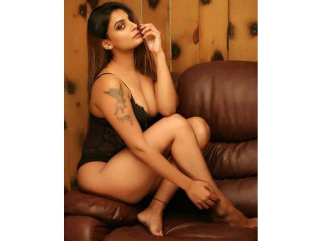 Call Girls In Majnu Ka Tilla 8447652111 MT Escort Service In Delhi