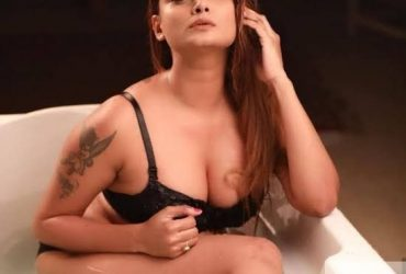 Female Escorts Call-Girls, Independent Female Escorts in Delhi 09899985641 shot 2000 night 8000