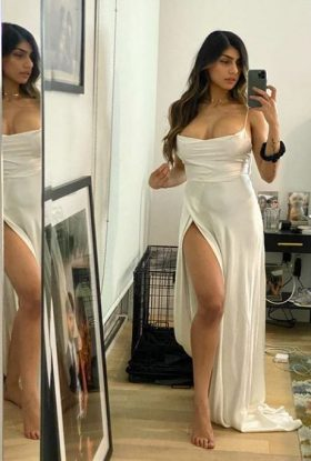 Call Girls In Delhi NCR 8800256022 Available 24/7 Doorstep Take Our Service In Your Place Or My Place
