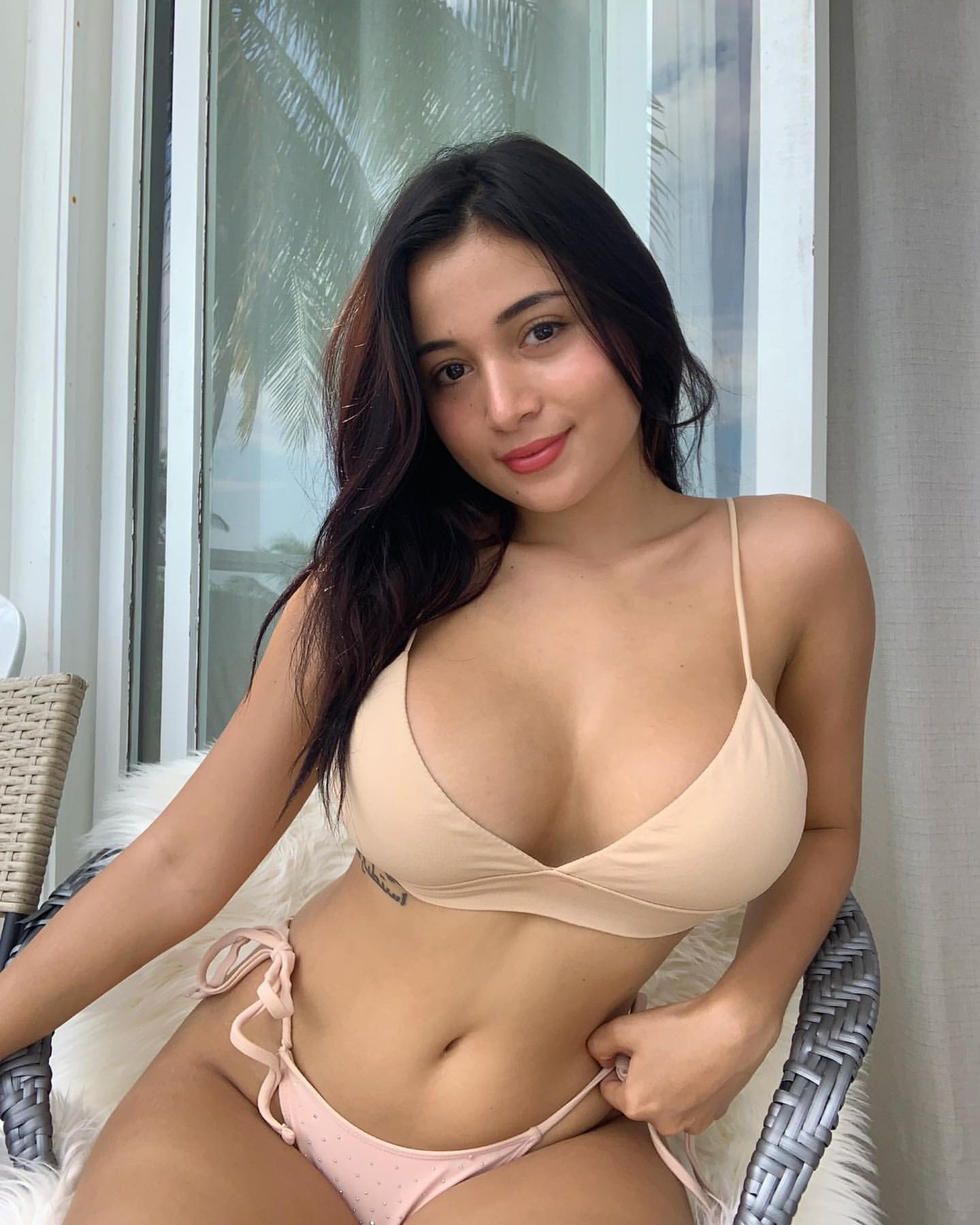 Low Rate Call Girls In Malviya Nagar 8826158885 Women Seeking Men