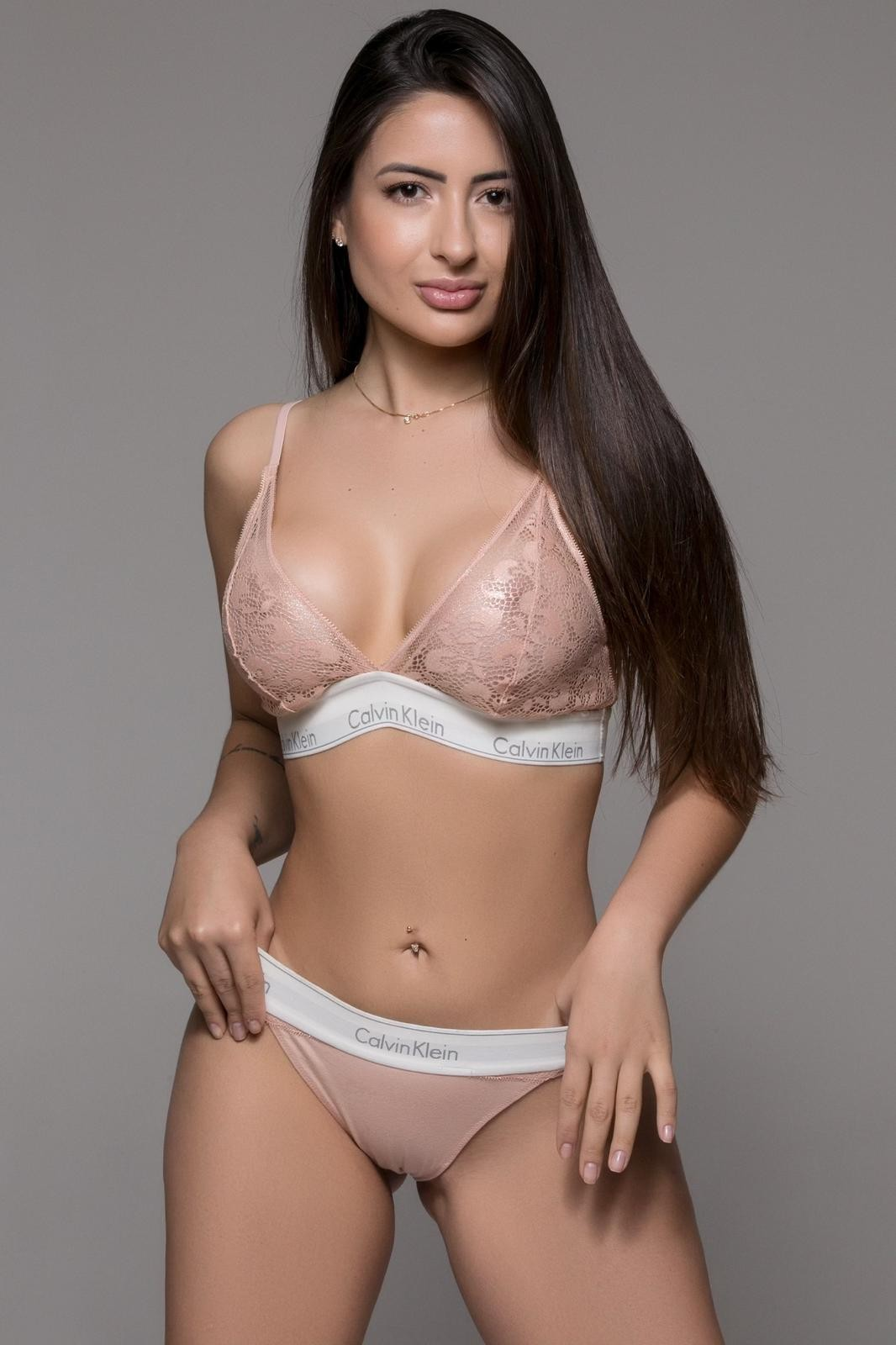 Gemma French Escorts in Delhi