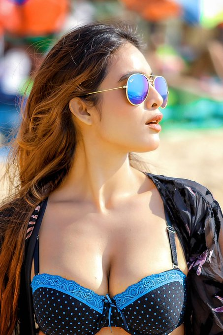Get Pune Independent Female Model Escorts in cheap Rates