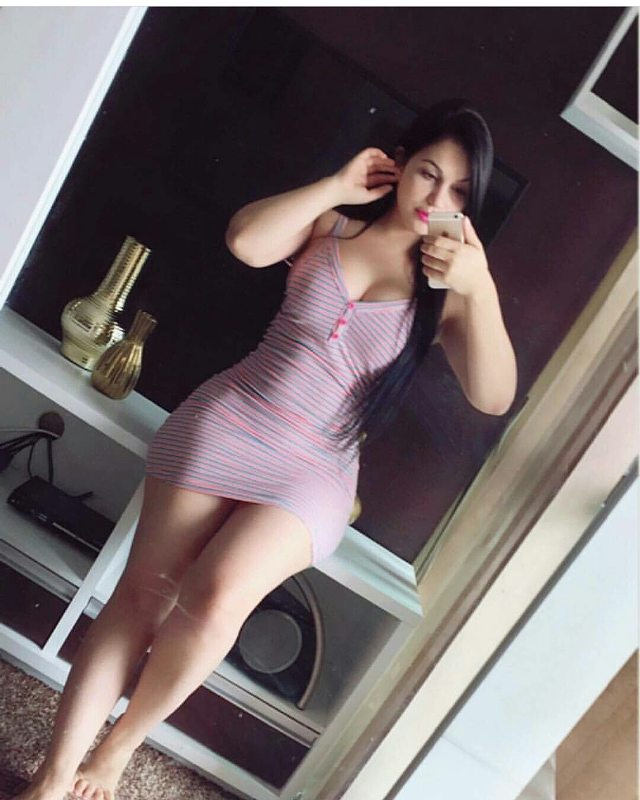 CALL MONIKA 9971313765 100% INDEPENDENT MODEL IN DELHI NCR