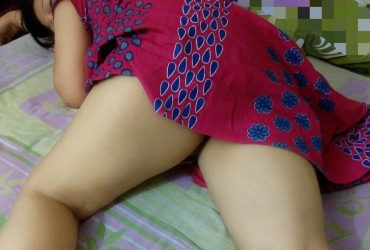 TODAY SPECIAL OFFER HOT AND SEXY INDIAN COLLEGE GIRL AND HOUSEWIFE 2 SHOT 2500