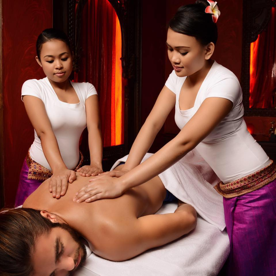 Female to Male Body to Body Massage in Vashi 8080808301