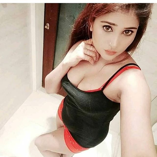 A discreet Hyderabad call girl, who is a popular seductress